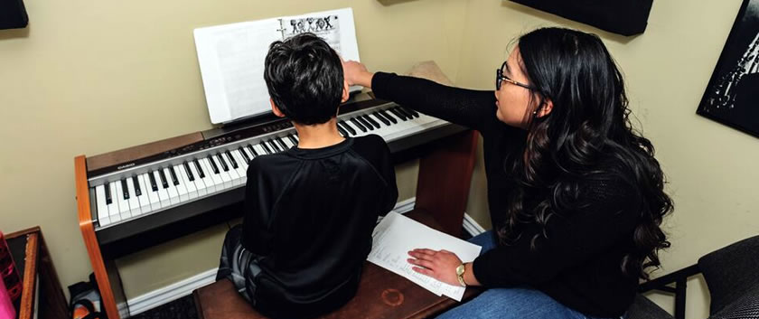 Piano Keyboard Lessons In Milton On House Of Chords Music Centre